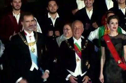 Reis de Espanha jantam com Sara e Casillas