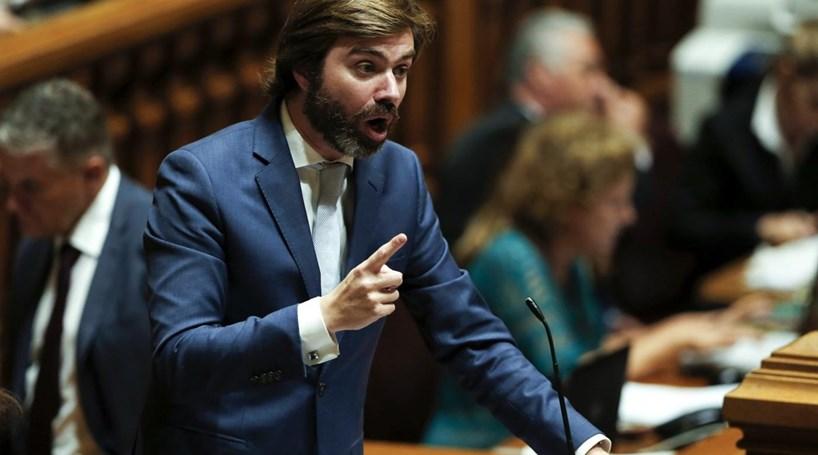 """CDS-PP acusa Governo e Costa de """"incompetência e irresponsabilidade"""""""