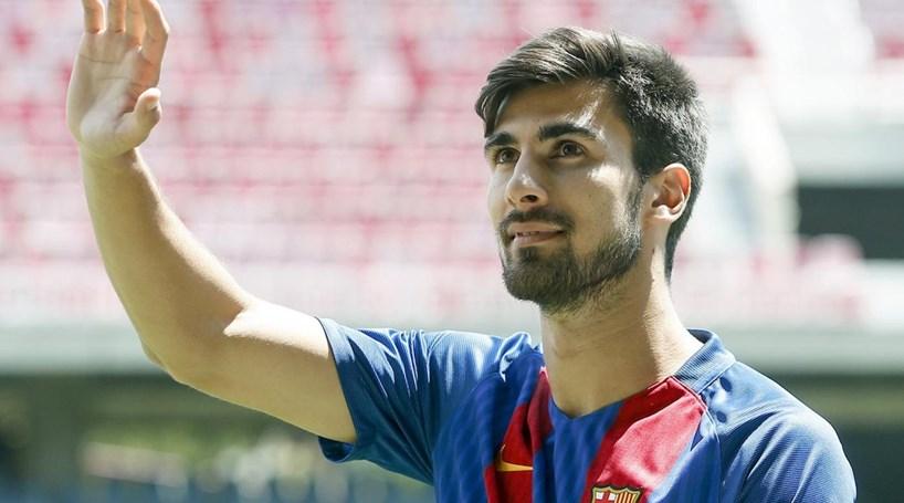 """""""O André Gomes vai ser um jogador muito valioso para o Barcelona"""", afirma Luís Enrique"""