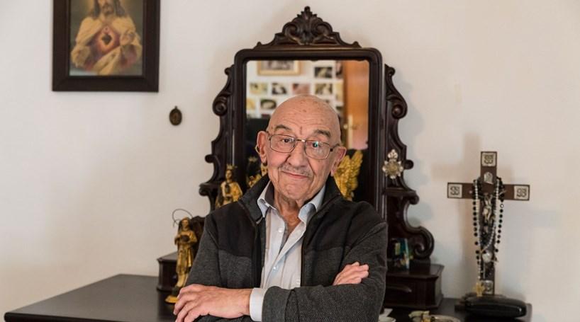 """J. Rentes de Carvalho: """"Caminhamos para um futuro sombrio"""""""