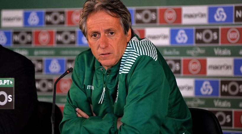 Castaignos e Alan Ruiz regressam aos convocados do Sporting