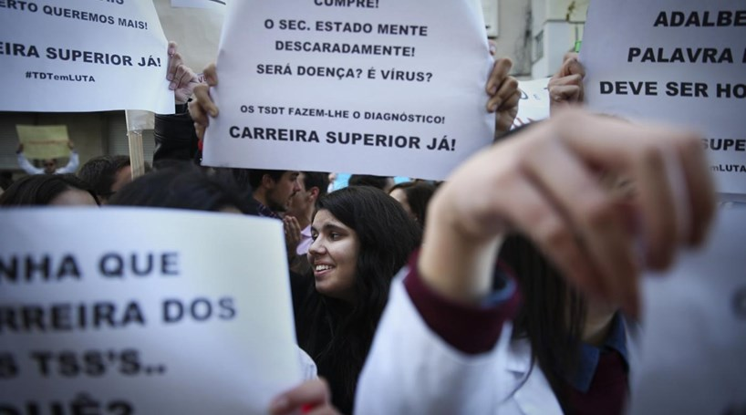 Técnicos de diagnóstico e terapêutica mantém greve