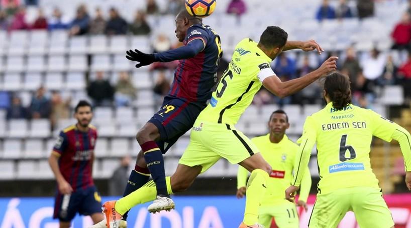Desportivo de Chaves e Marítimo empatam 0-0