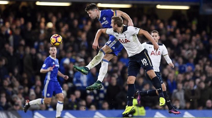 Chelsea vence e volta à liderança isolada da liga inglesa