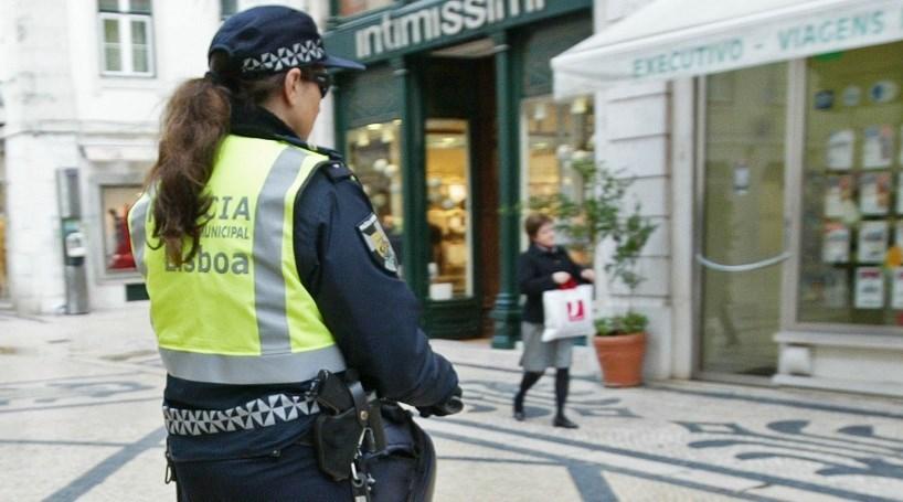 Sindicatos da PSP exigem troca de arma