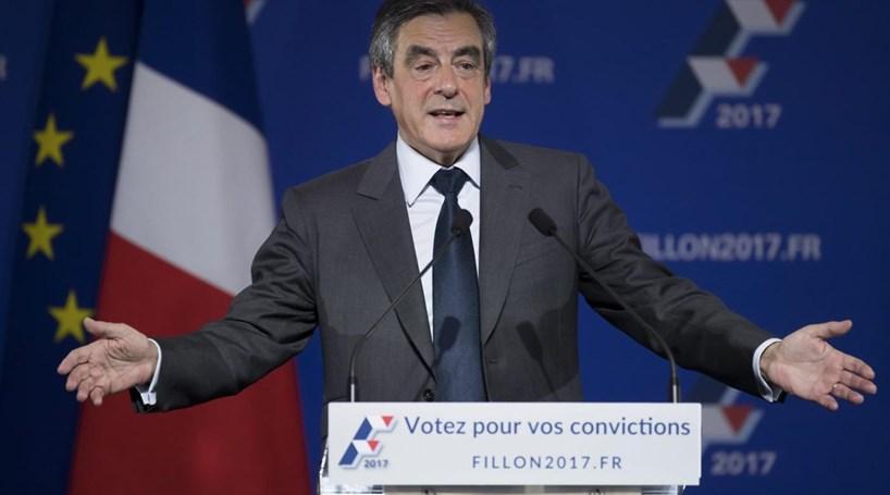 Fillon diz ser lúcida decisão de Hollande