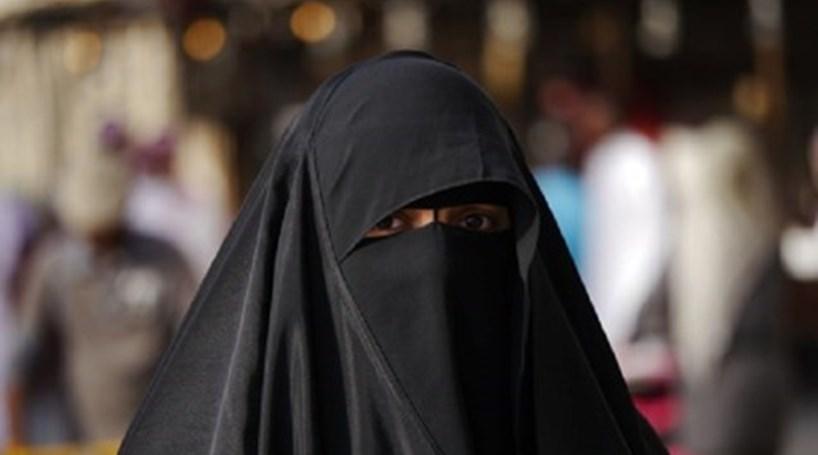 Véu proibido em locais públicos na Holanda