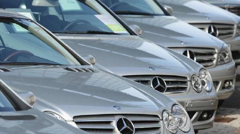 Roubam Mercedes em carjacking