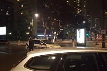 Homem em fuga após tentativa de assalto em Paris