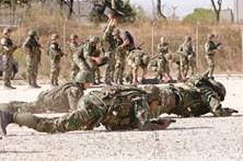 Secreta contra tropas no 'inferno' em África