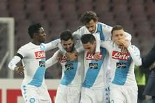 Nápoles vence antes de defrontar Benfica
