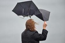 Chuva e ventos fortes põem 16 distritos com aviso amarelo