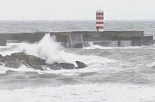 Quatro barras do Algarve fechadas à fechadas devido à agitação marítima