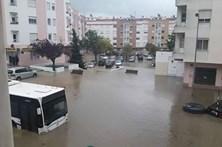 Inundações causam estragos em Corroios e Almada