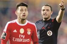 Benfica culpa árbitros do Porto