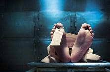 Polaco embebeda-se e acorda na morgue