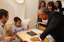 Marcelo leva a Costa carta entregue por criança deficiente