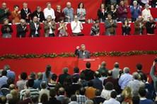 """Fidel continua """"espiritualmente"""" entres os comunistas"""