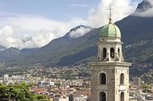 Lugano contrapõe o luxo e a simplicidade