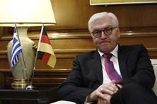 """Alemanha """"inquieta"""" com crise política italiana"""