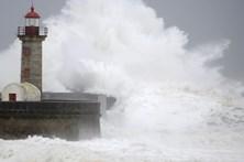 Três barras fechadas no Algarve devido à agitação marítima