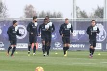 Ótávio, Sérgio Oliveira e Chidozie ausentes do treino do FC Porto