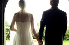 Rede de casamentos por conveniência condenada