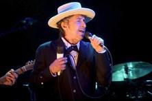 Tradutor da obra lírica de Bob Dylan teria dado o Nobel a Leonard Cohen