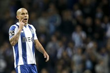 Maxi Pereira diz que objetivo do FC Porto nesta fase da 'Champions' foi cumprido