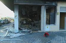 Explosão destrói padaria e provoca um ferido grave