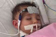 Bebé acorda do coma 10 dias após médicos decidirem desligar máquinas