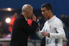 Zidane pede esclarecimentos rápidos sobre impostos de jogadores