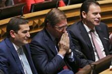 """PSD acusa """"governo das esquerdas"""" de degradar serviços públicos"""