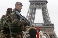 Governo francês quer prolongar estado de emergência até julho