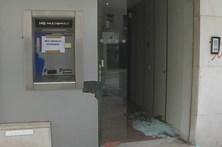 Grupo rebenta caixa multibanco em Almada