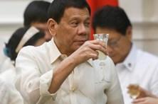 Presidente das Filipinas incentiva padres e bispos a consumirem droga