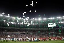 Chapecoense usa voo comercial na primeira viagem após tragédia