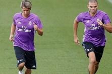 Pepe e Fábio Coentrão regressam aos treinos sem limitações