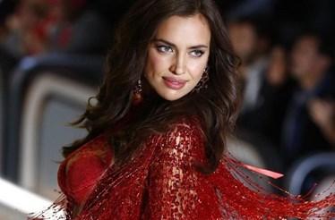 CR7 felicita Irina Shayk pela gravidez