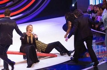 Cristina Ferreira e Goucha caem em palco