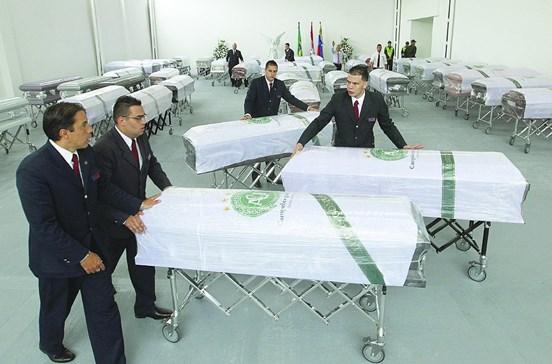 Velório às vítimas hoje em Chapecó
