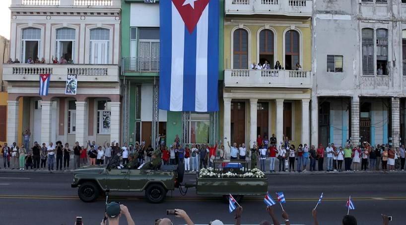 Cinzas de Fidel iniciam última viagem por Cuba