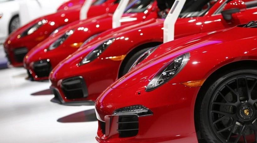 China cria imposto adicional na compra de carros de luxo