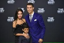 Confira os looks de CR7 e Georgina Rodríguez na gala da FIFA
