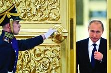 Putin ridiculariza acusações de espionagem russa sobre Donald Trump
