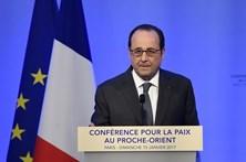 """Hollande vai votar em Macron para combater o """"risco"""" Le Pen"""