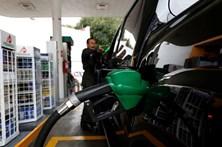 Preço da gasolina longe  da queda do petróleo