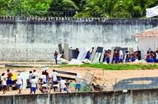 Polícia trava novo massacre em prisão