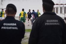 Guardas prisionais convocam greve geral
