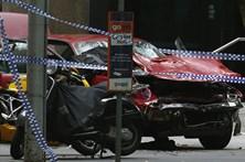 Três mortos e 20 feridos após carro atingir transeuntes